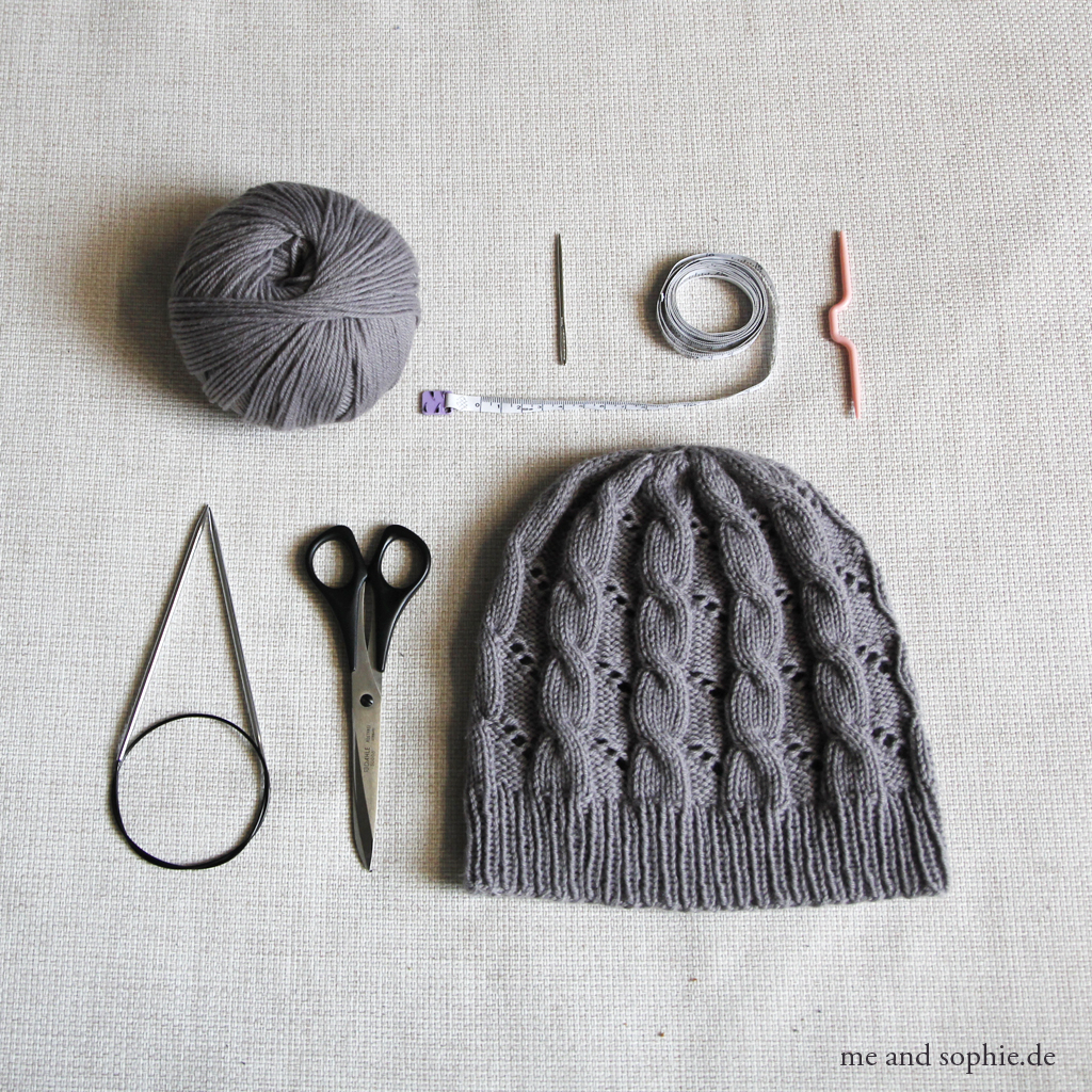 Hermione's Cable & Eyelet Hat 01